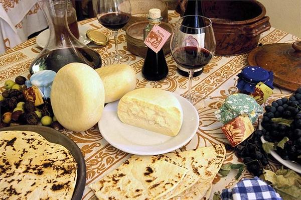 Il Paniere dei prodotti tipici della Strada dei Vini e dei Sapori